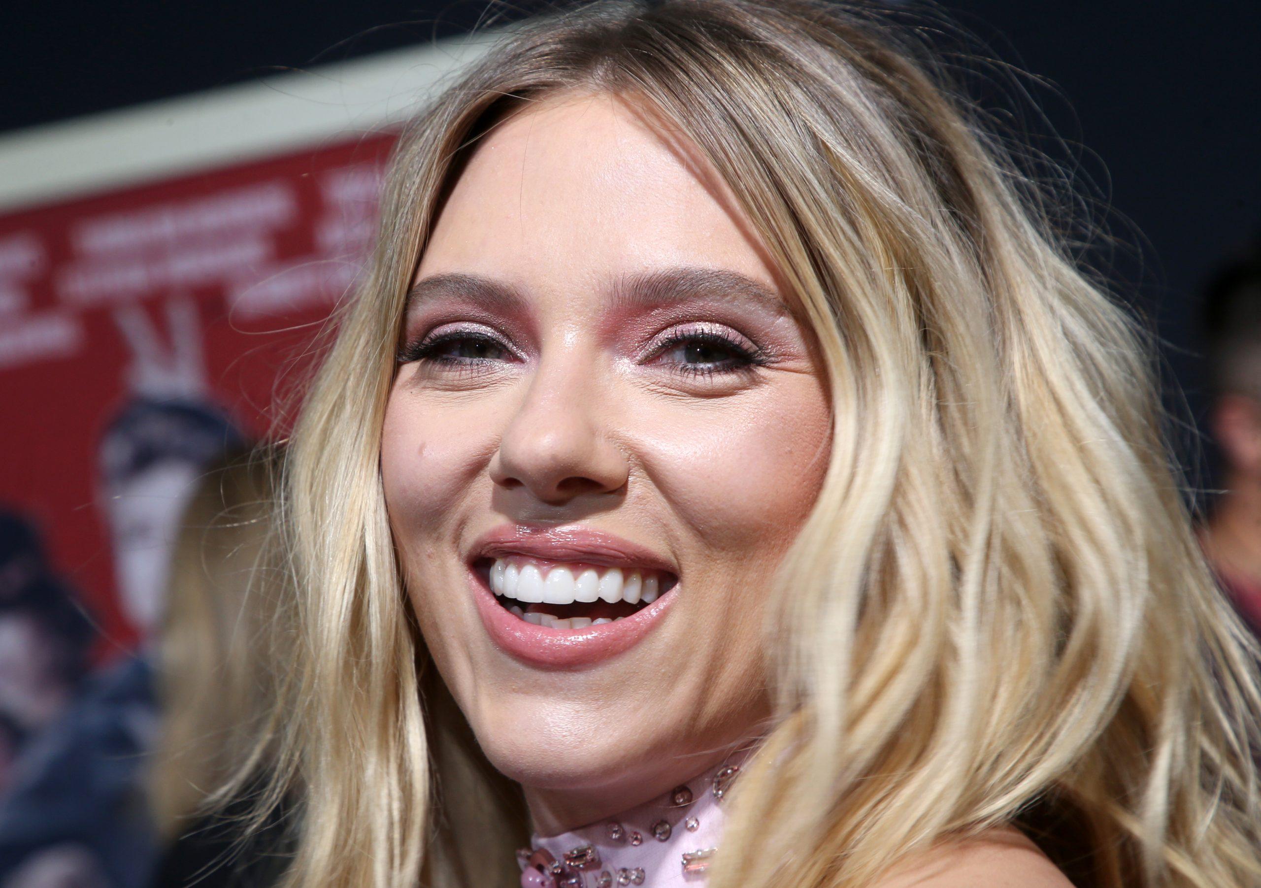Babát vár Scarlett Johansson