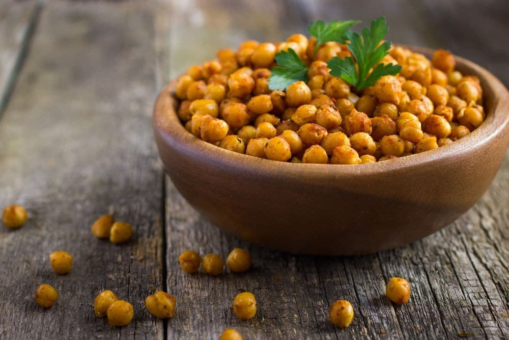 Roasted,spicy,chickpeas,on,rustic,background