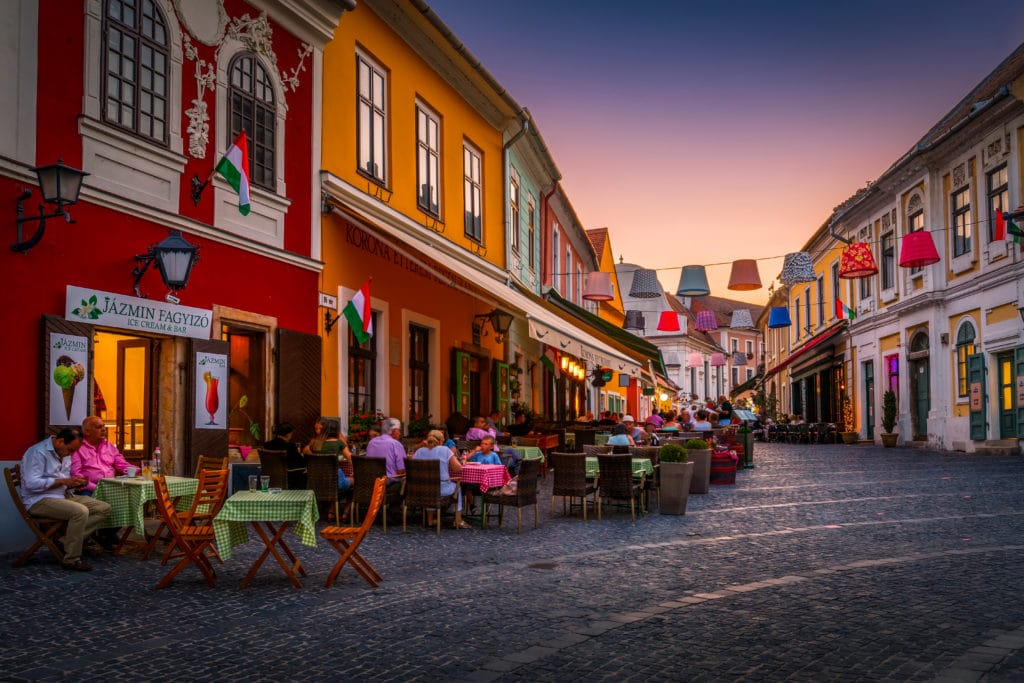 Szentendre,,hungary, ,august,17,,2018:,people,in,restaurants,and
