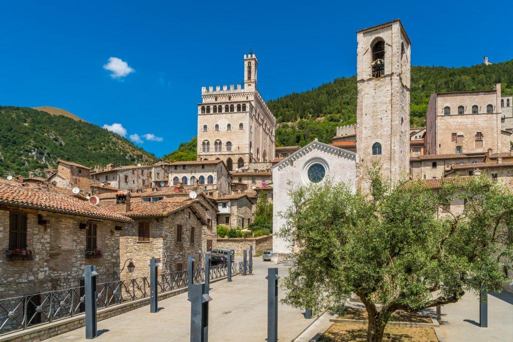 Scenic,sight,in,gubbio,with,palazzo,dei,consoli,and,the