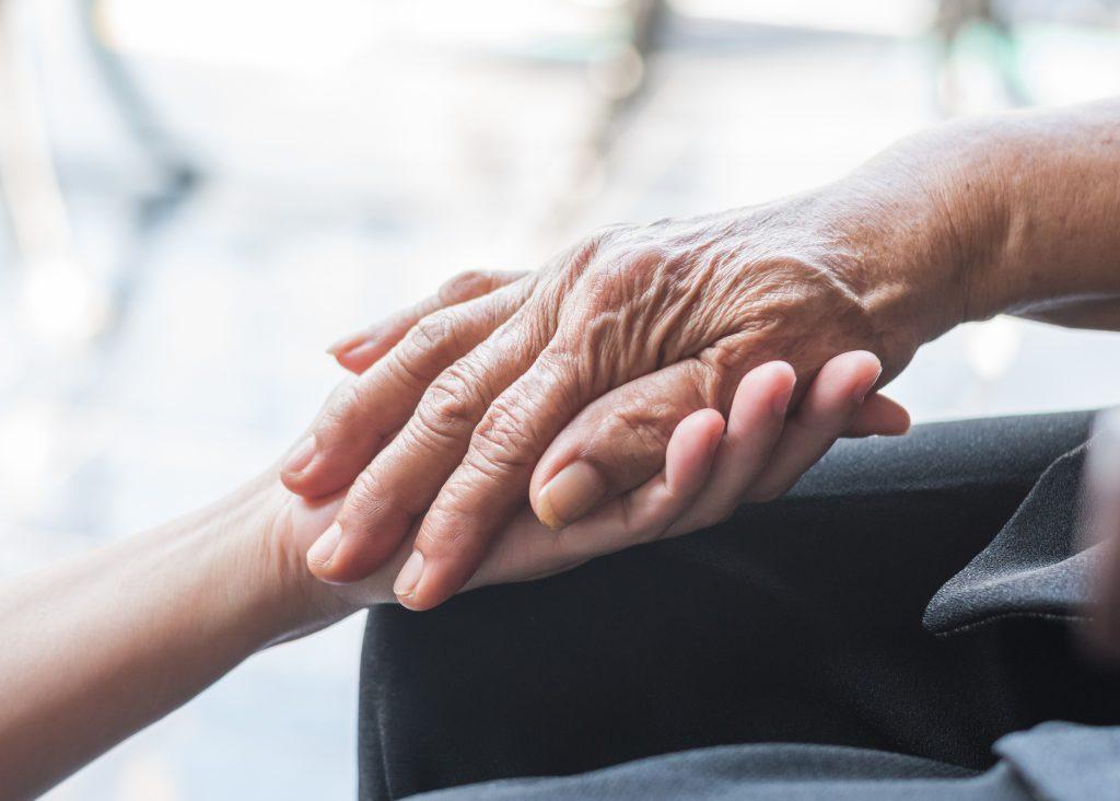 Parkinson,disease,patient,,alzheimer,elderly,senior,,arthritis,person's,hand,in